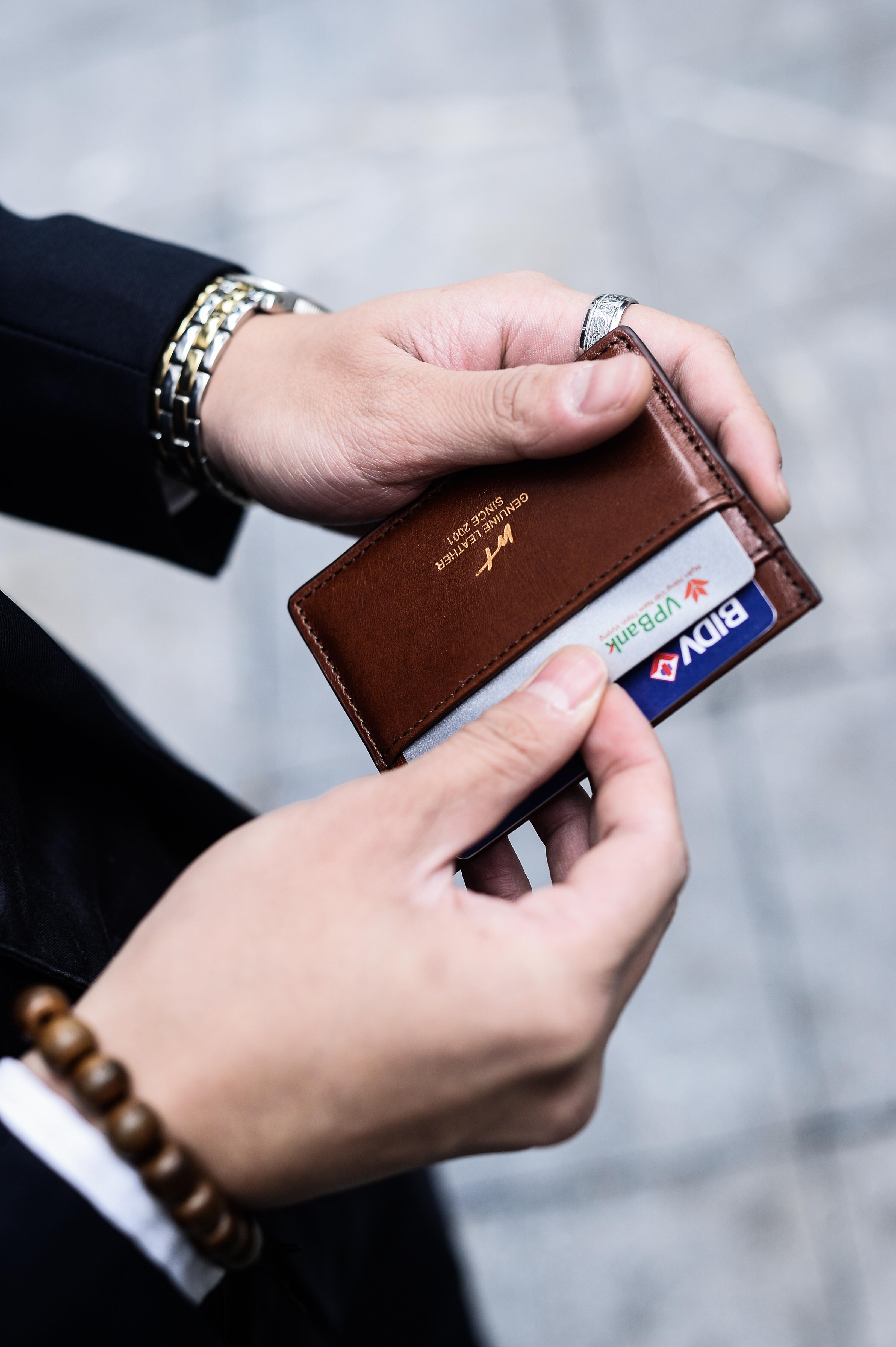 card-holder-nam-2-1633930330.jpg
